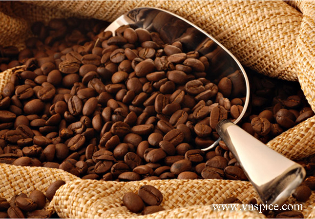 coffee-and-coffee-beans-close-up